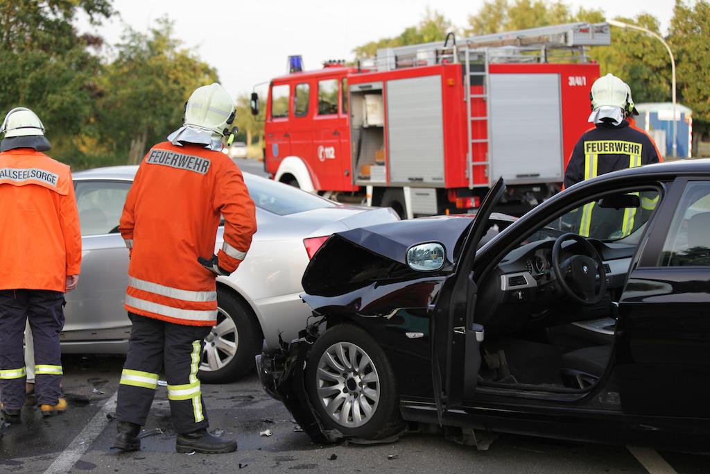 追突事故を起こした車